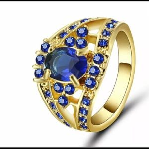 Jewelry - Blue on gold ring